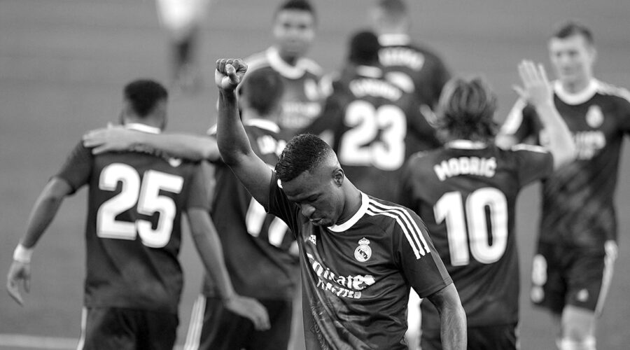Real Madrid defeats Sevilla 1-0